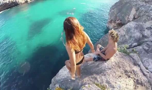 This Guys Reaction To Girlfriend Falling From Cliff Has Caused Outrage Bikini fall 695650
