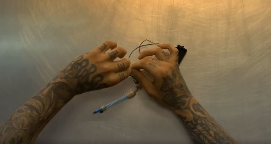 This is how inmates make tattoo guns in prison for How to make tattoo gun with pen