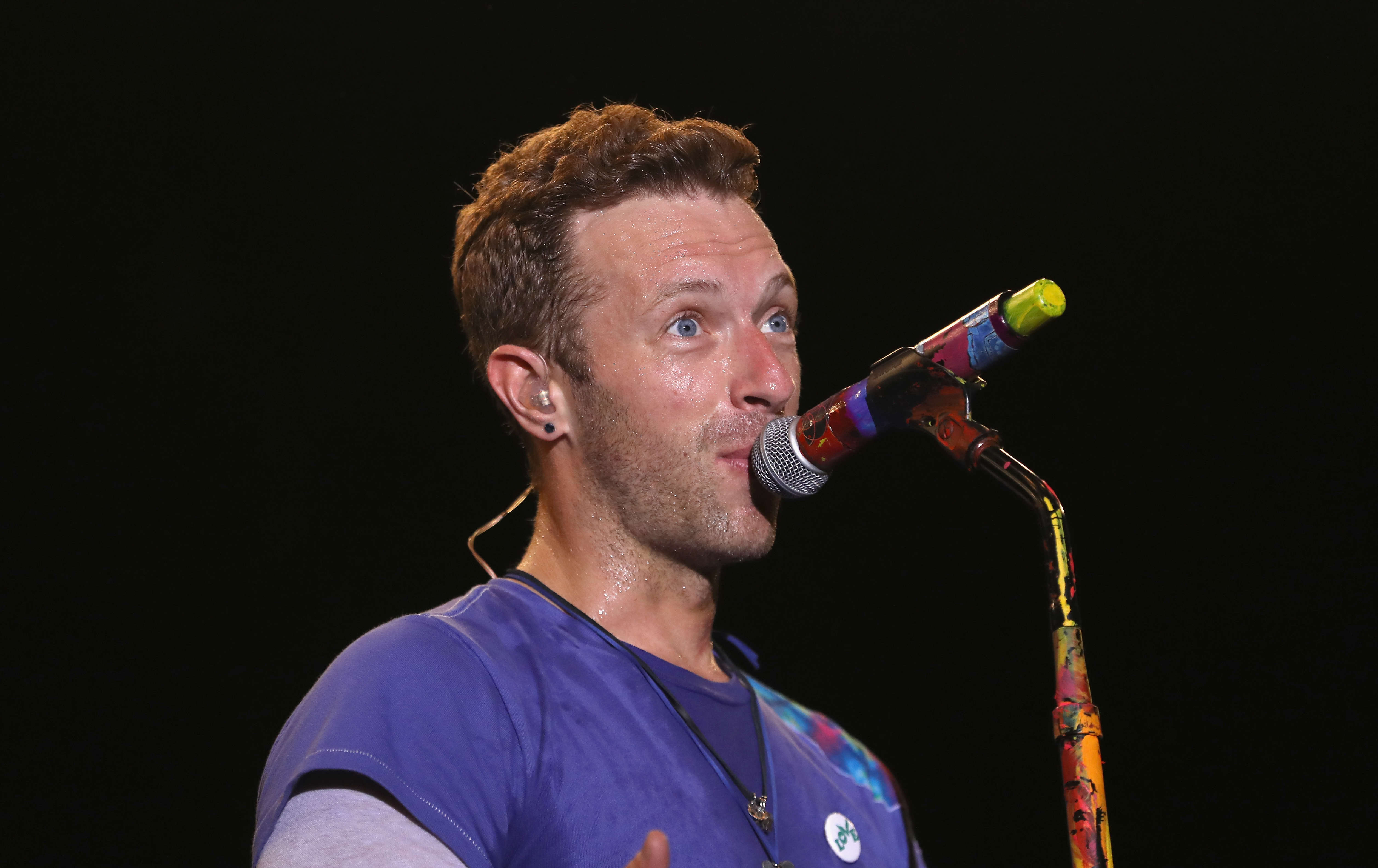 Heres What Chris Martin Did When A Fan Begged Him For Sex GettyImages 543490330