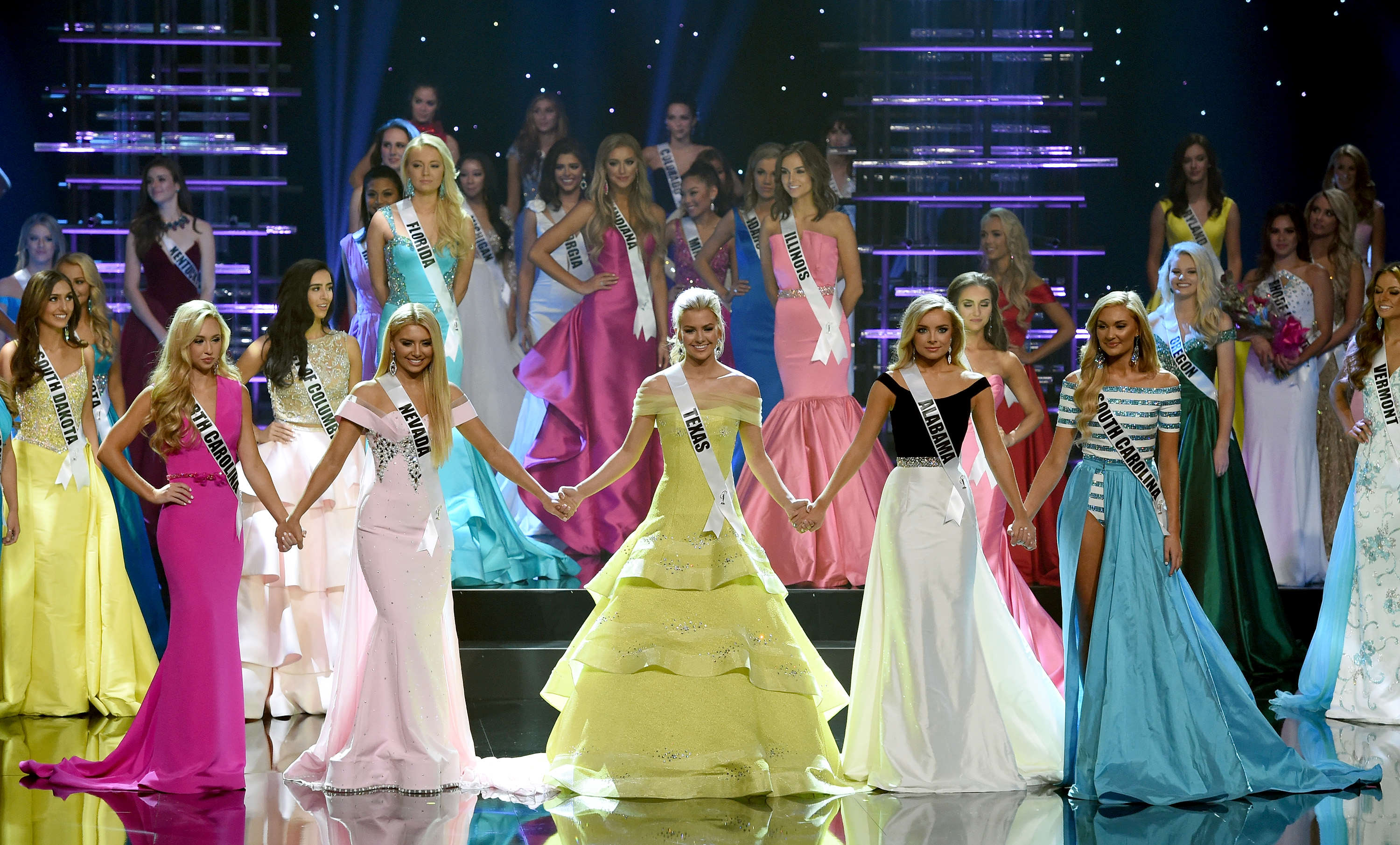 Beauty Pageant Mocked For Ridiculously Similar Looking Finalists GettyImages 584828940