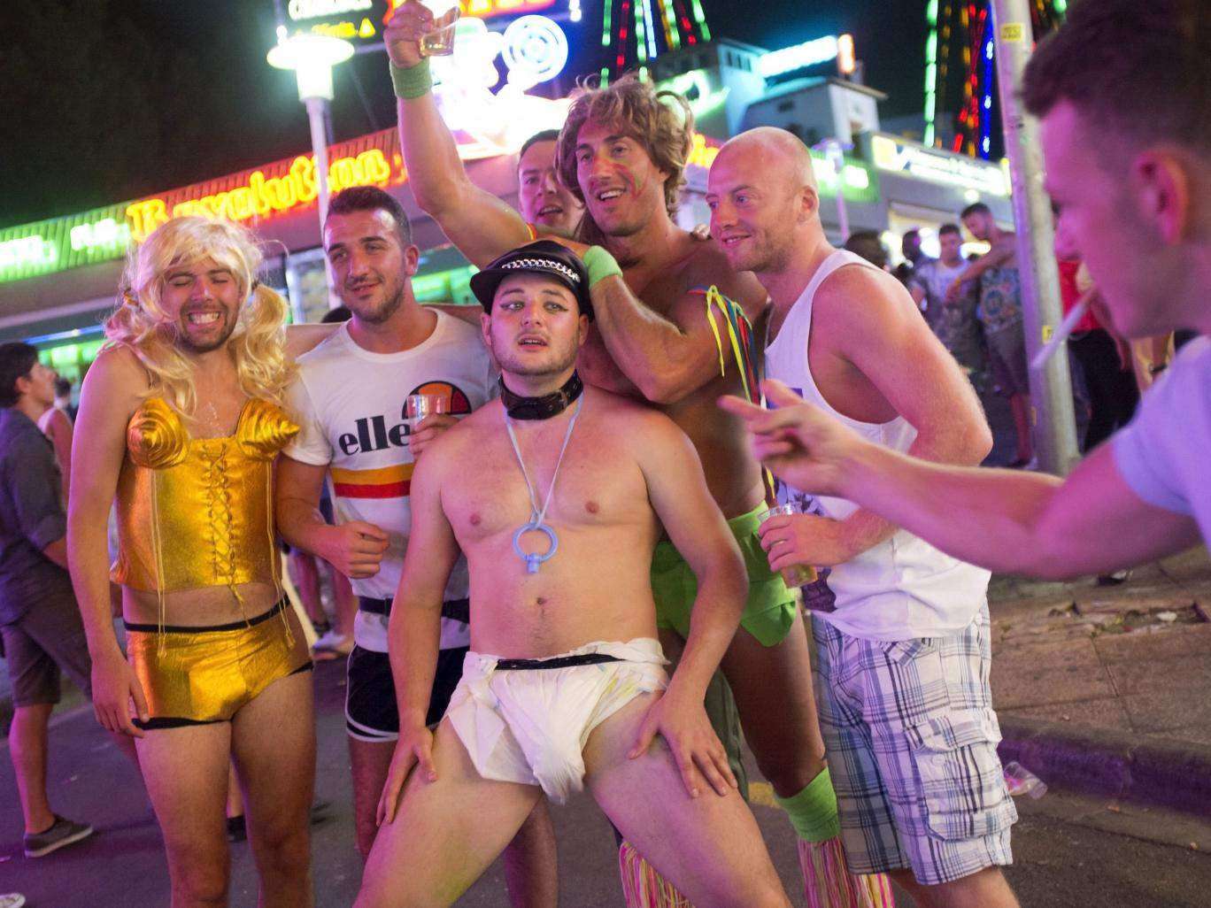 Brits Caught In X Rated Magaluf Paint Party Magaluf 11