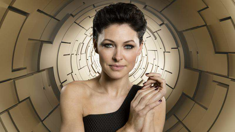big-brother-2015-timebomb-hosts-6