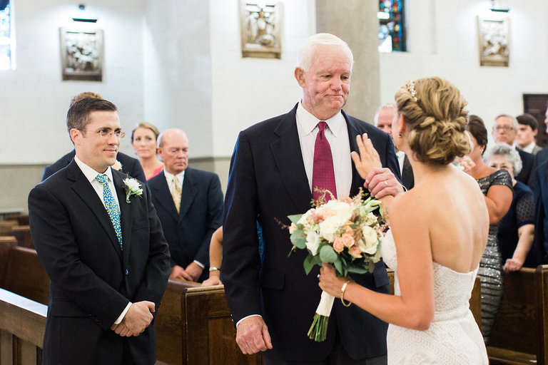 Bride Finds Amazing Way For Deceased Father To Attend Her Wedding bride1