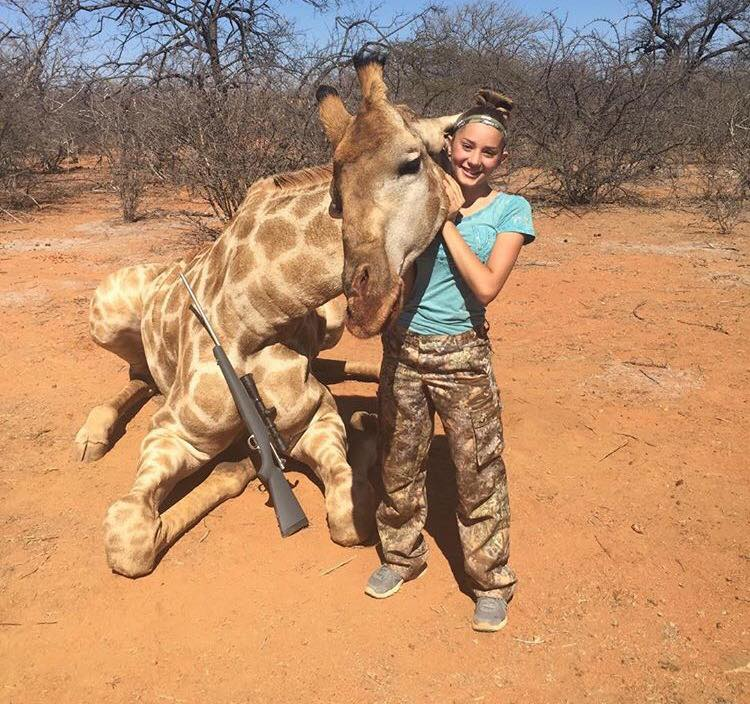 12 Year Old Hunter Receives Death Threats Over Her Gruesome Photos giraffe2