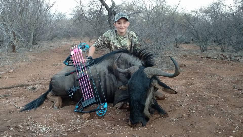 12 Year Old Hunter Receives Death Threats Over Her Gruesome Photos giraffe5