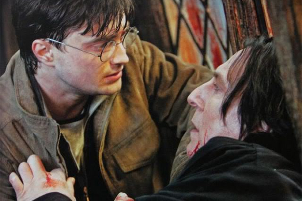 snape death scene in Harry Potter - Alan Rickman and Daniel Radcliffe