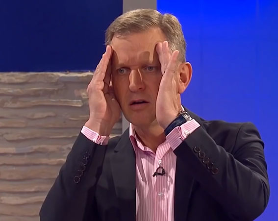 Jeremy Kyle Guest Dragged Away By Security After Getting Violent j 2
