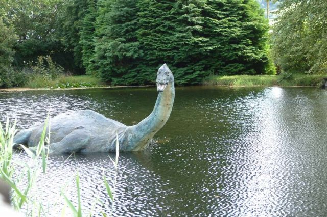 New Tourist Photos Of The Loch Ness Monster Emerge nessie 1 640x426