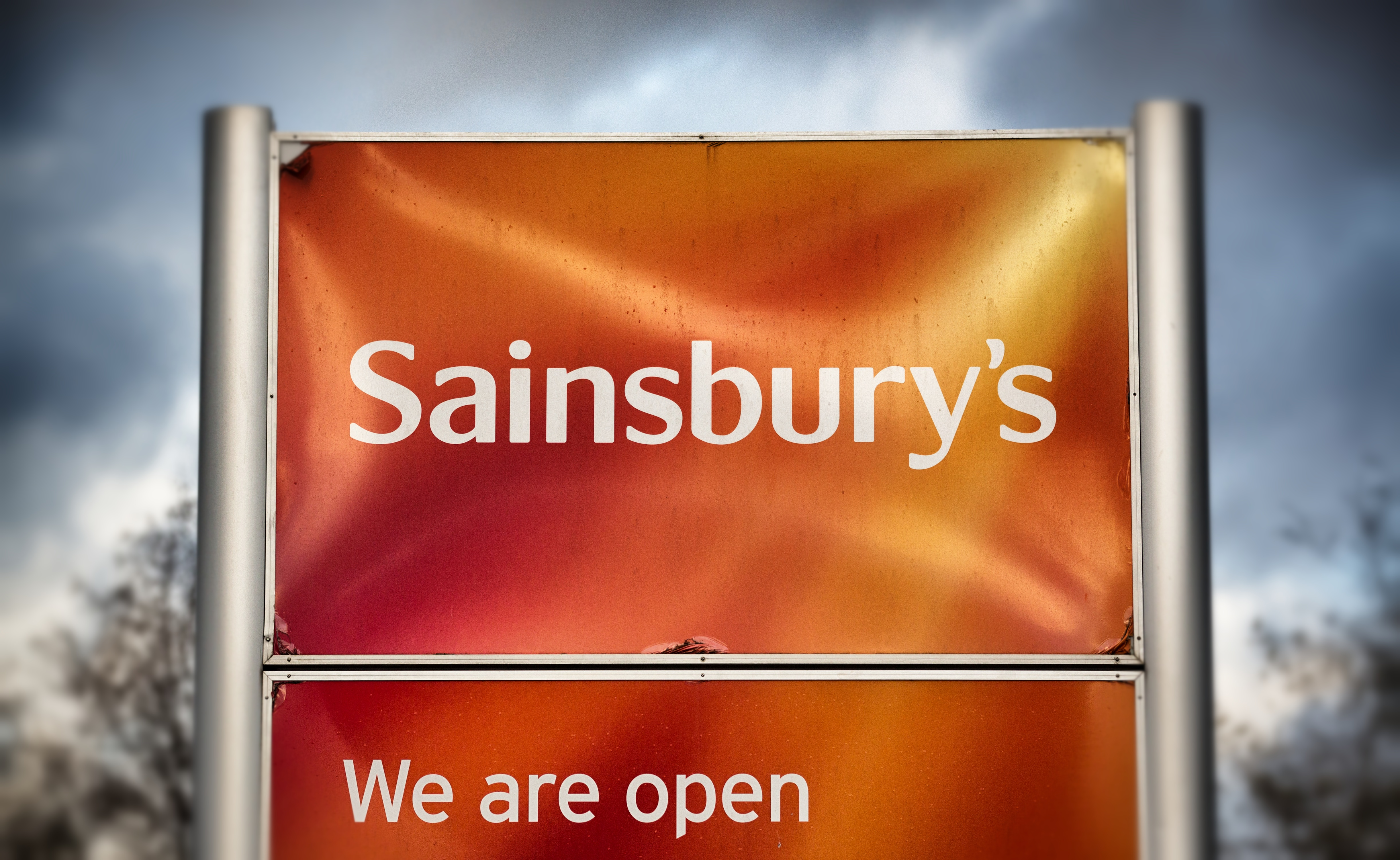 Gay Couple Kicked Out Of Sainsburys For Unbelievable Reason sains1