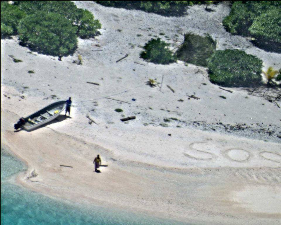 Sailors Rescued From Remote Desert Island Thanks To Hollywood Style SOS sos1