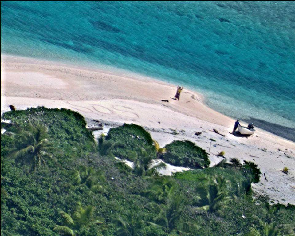 Sailors Rescued From Remote Desert Island Thanks To Hollywood Style SOS sos3