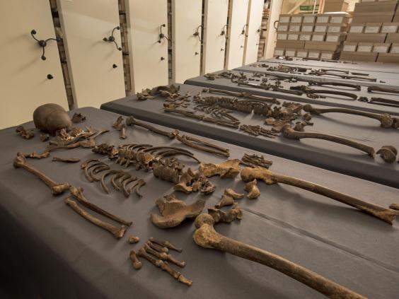 Cause Of Londons Great Plague Officially Confirmed 5 skeletons found to contain 1665 great plague bacteria 244609