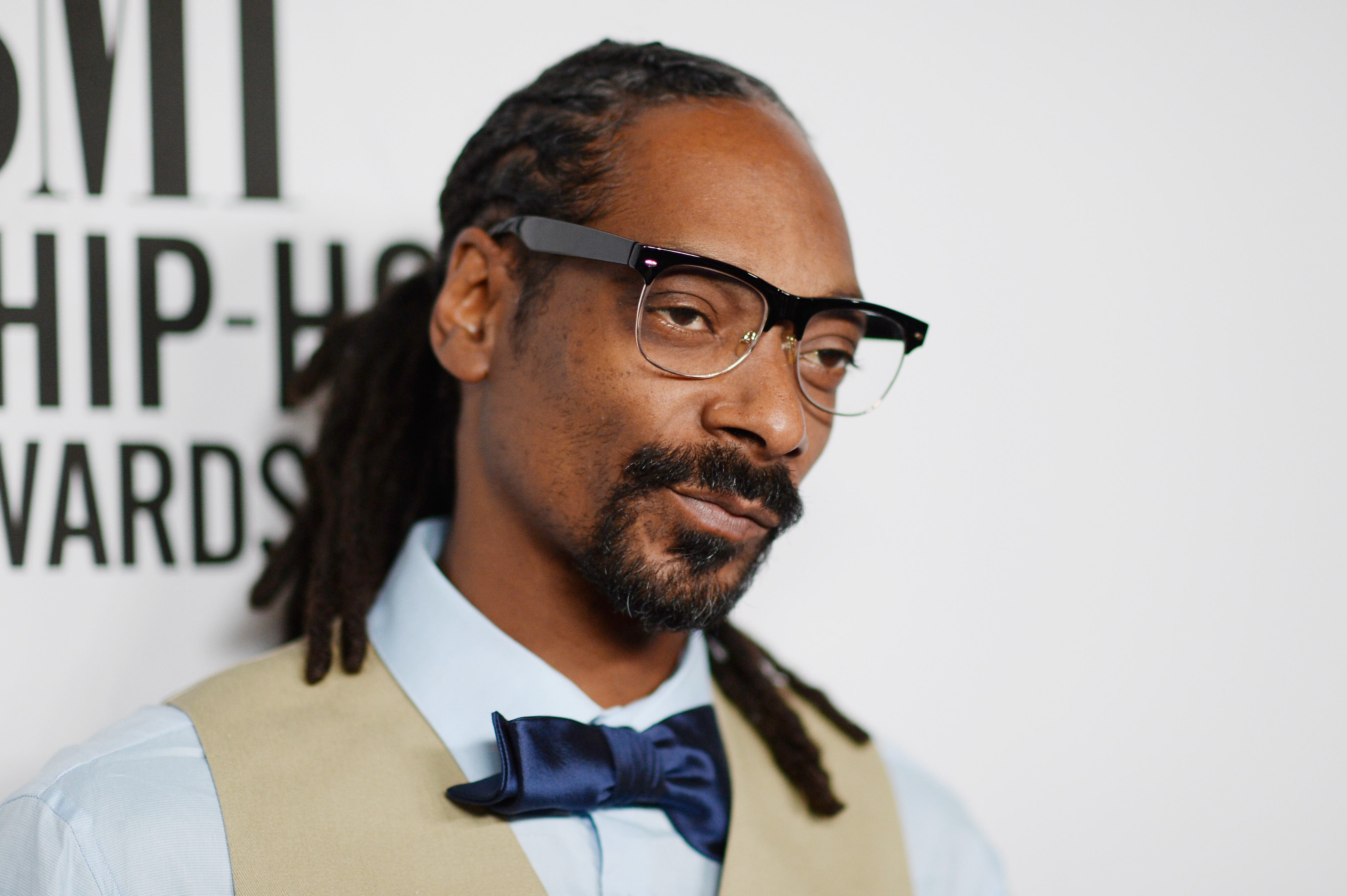 Woman Gets Random Voicemail From Snoop Dogg, Things Quickly Turn Heated GettyImages 485631964
