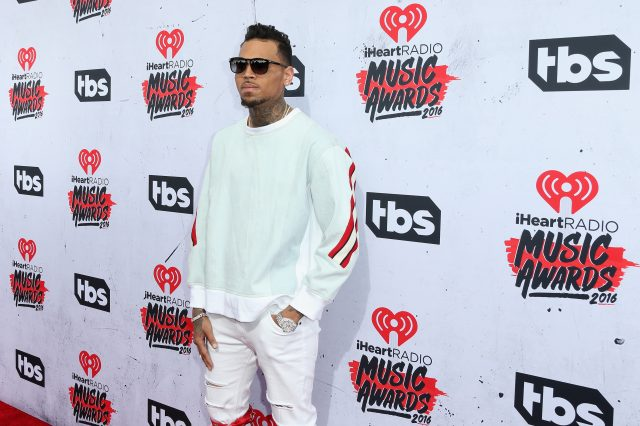 This Text Message Makes The Chris Brown Siege Very Suspicious GettyImages 518986422 640x426