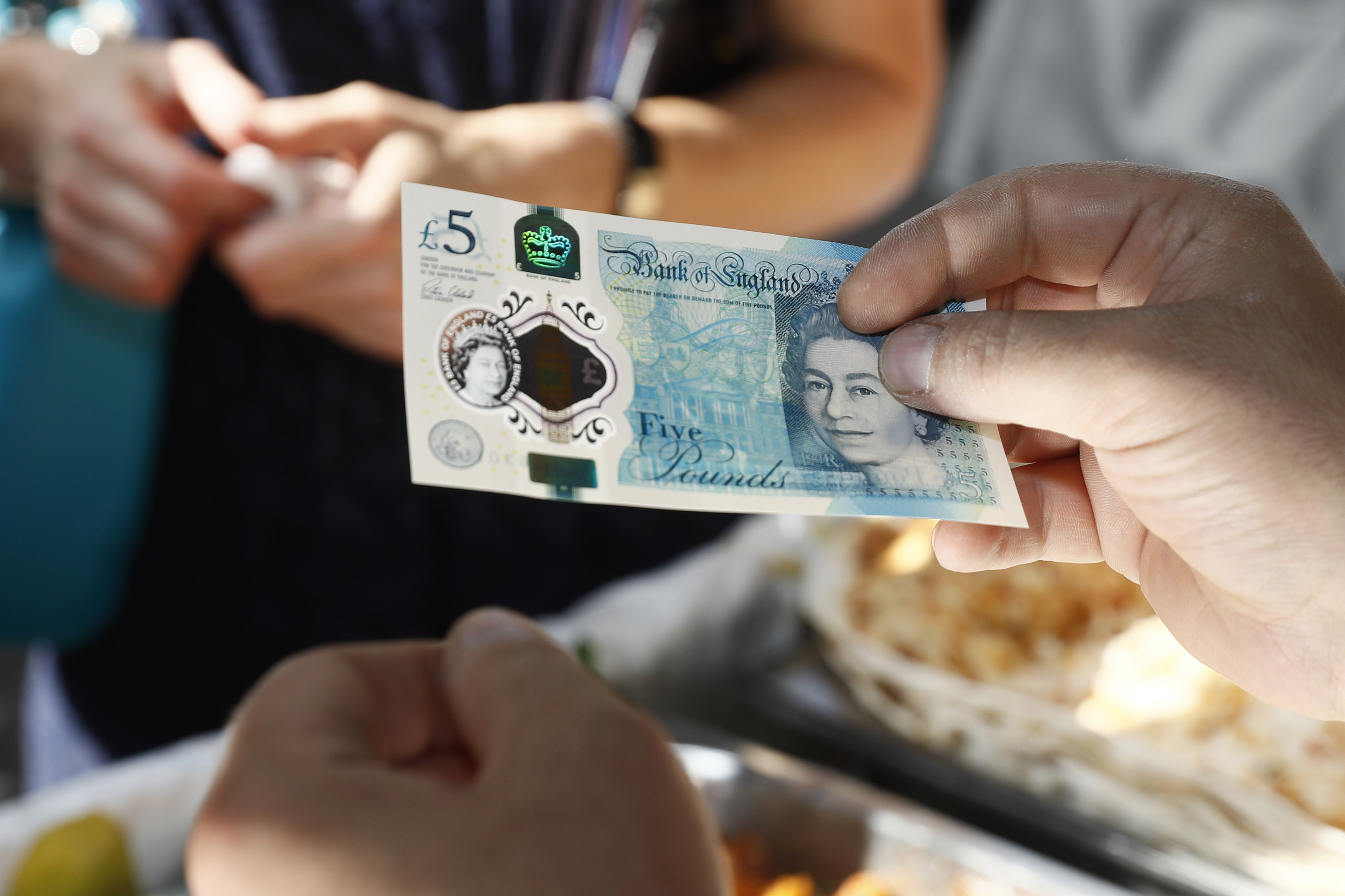 Shining A Laser Through The New Fiver Reveals Something Pretty Cool GettyImages 603974050
