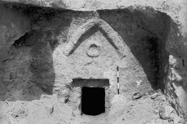 Geologist Claims To Have Found Jesuss Tomb, Heres What It Looks Like GettyImages 73424950 1 640x426