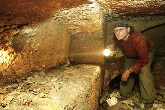 Geologist Claims To Have Found Jesuss Tomb, Heres What It Looks Like GettyImages 73430204 640x426