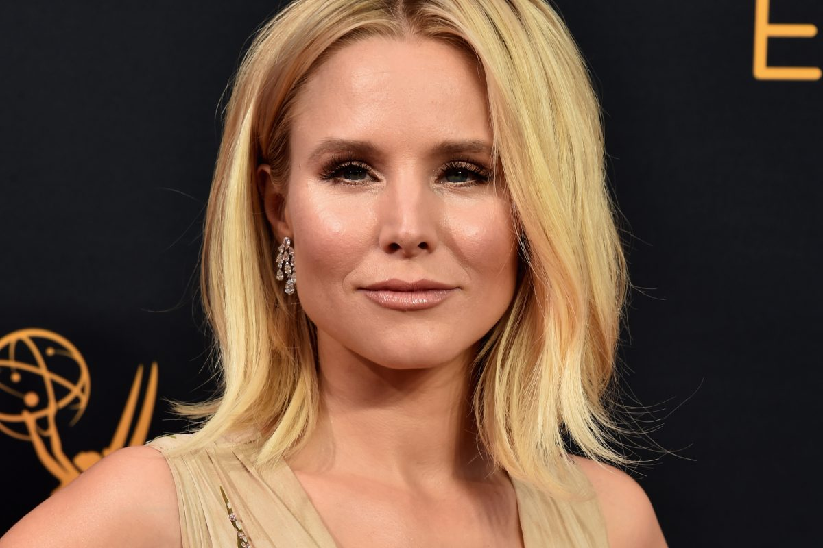 Celebrities Reveal The Secret To Perfect Red Carpet Cleavage KristenBell GettyImages 607578278 1200x800