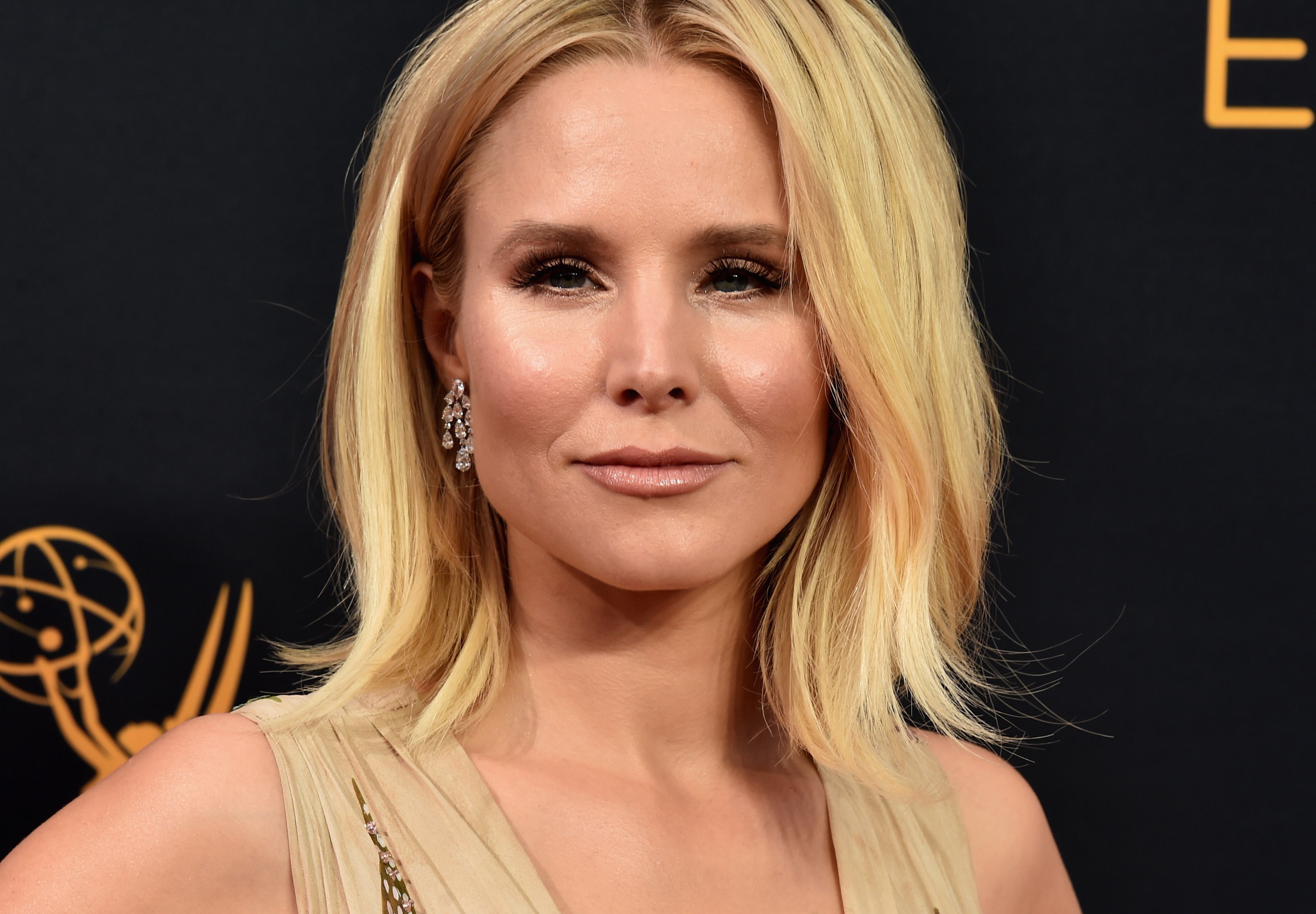 Kristen Bell Says Snow White Sends 'Wrong Message' To Children