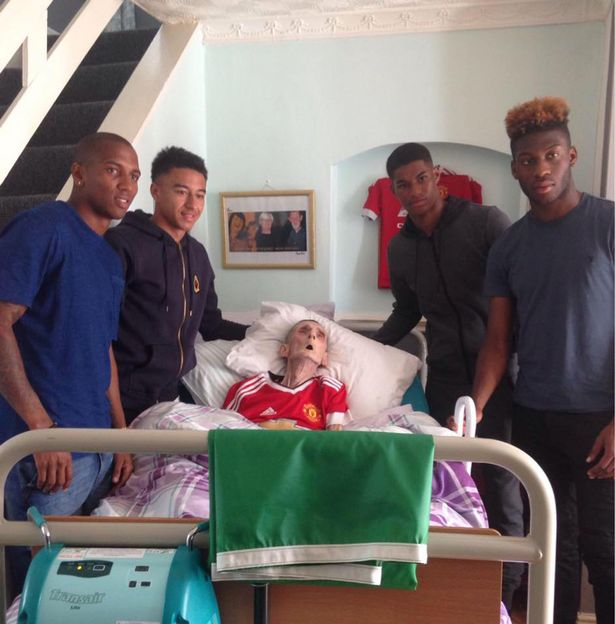 Man United Stars Grant Grandads Dying Wish Minutes Before He Passed Manchester United football stars visit frail fan at his bedside