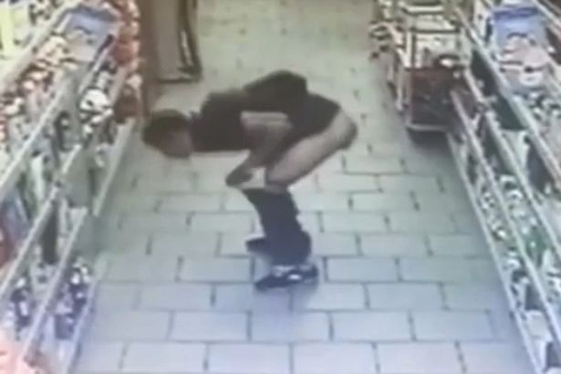 Gross Thief Takes Sh*t In Middle Of Supermarket Aisle PAY Shoplifter Poops On Supermarket Floor