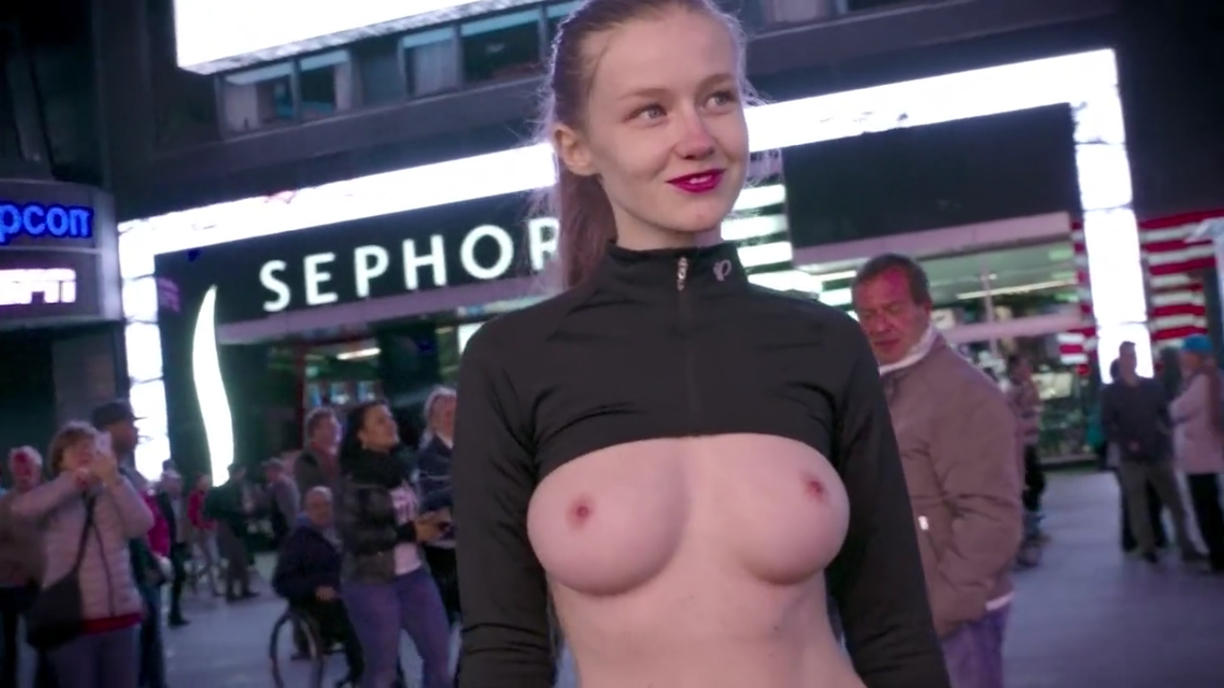 People Dont Know How To React To Topless Model Walking Through NYC adfa 1