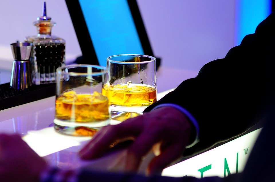 New Hangover Free Booze Could Replace All Alcohol By 2050 bar 932357 960 720 1