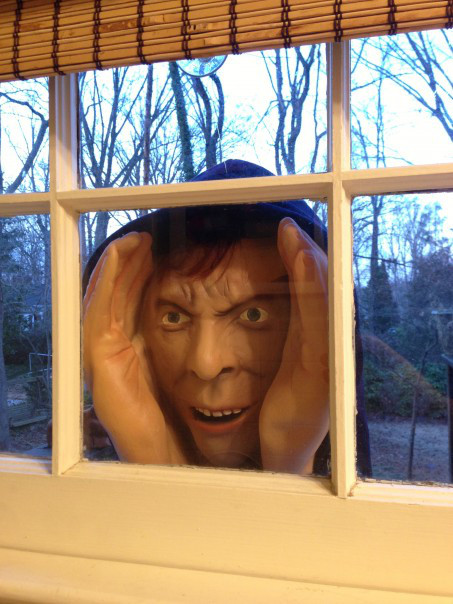This Halloween Mask Is So Scary That It Was Banned pic 25