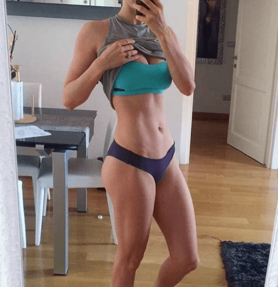 This Personal Trainer Posts Unflattering Photos To Keep It Real trainer