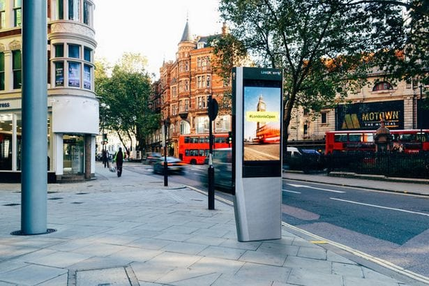 Free Wi Fi And Charging Points To Replace Phone Boxes 11677UNILAD imageoptim 6467