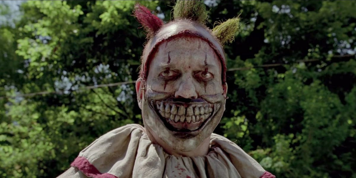 This Is Why Clowns Are So F*cking Terrifying, According To An Expert 14897UNILAD imageoptim twisty american horror story