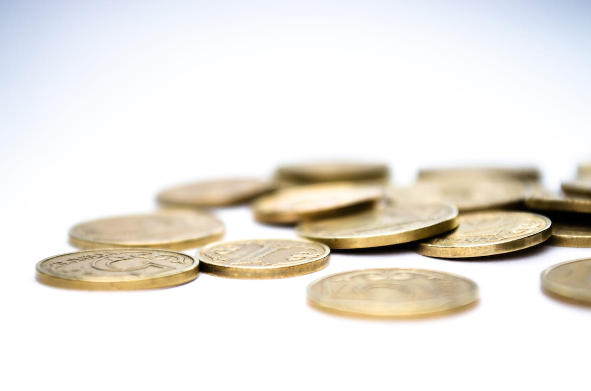 This Is How Much Your £2 Coin Could Be Worth 15243UNILAD imageoptim Coins