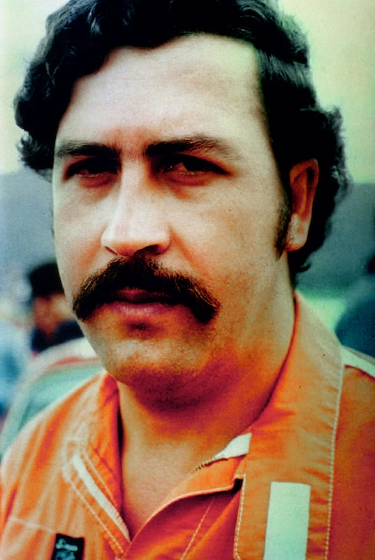 Why Are People So Obsessed With Outlaws Like Pablo Escobar? 2255UNILAD imageoptim escobar2