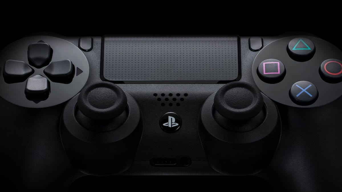 playstation-4-review-controller-hero