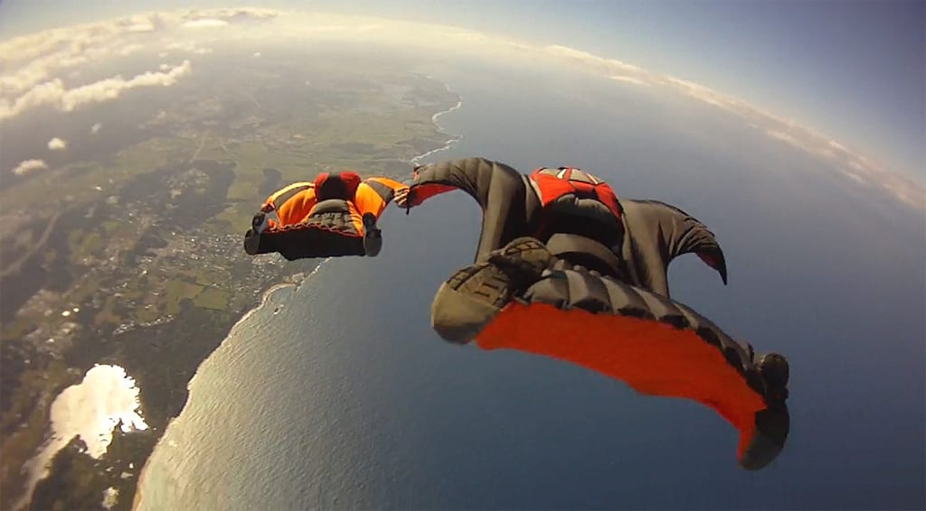 ocean_wingsuit_formation_6366966219