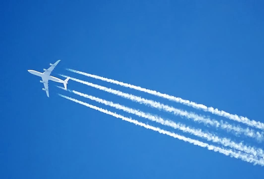 Thousands Suffer From Mysterious Skin Crawling Disease That Isnt Real 32302UNILAD imageoptim Contrail.fourengined.arp