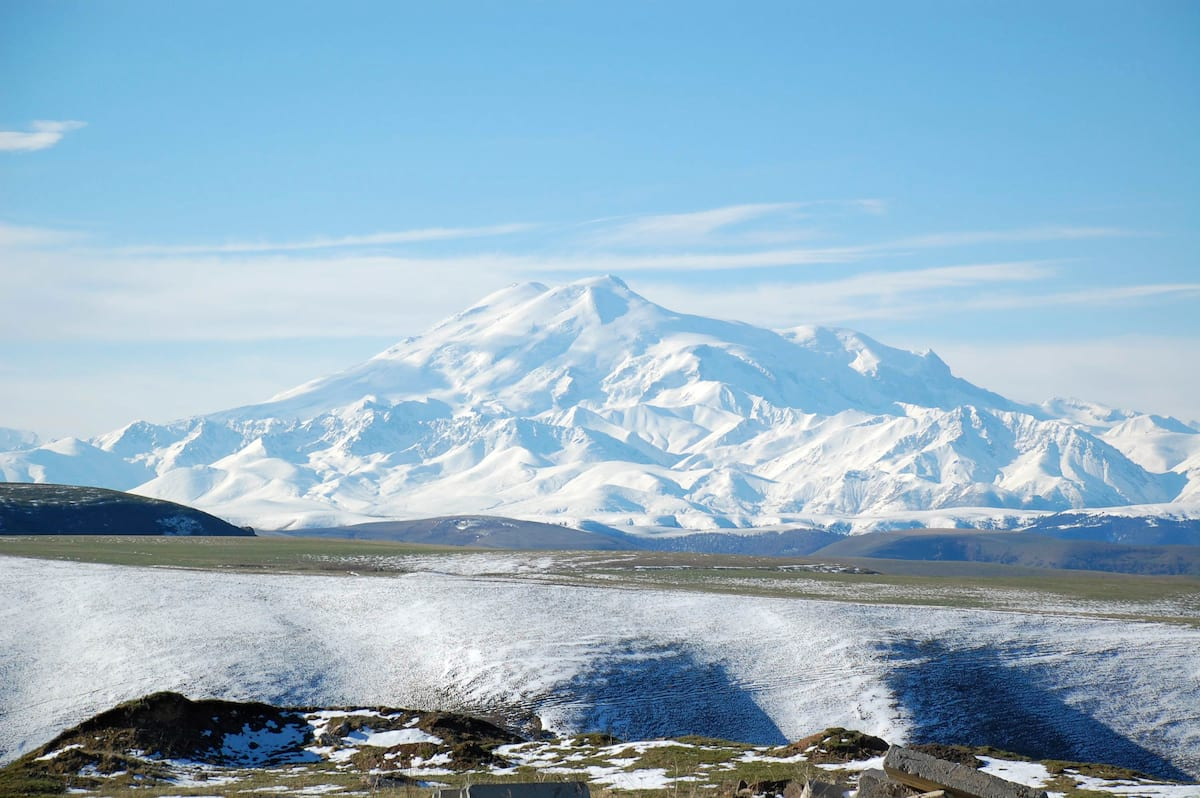 snow-capped-mount-elbrus-highest-point-in-russia