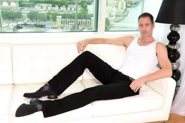 Worlds Number One Male Escort Reveals The Oddest Thing Hes Been Paid To Do 58913UNILAD imageoptim 1 blurred 640x426