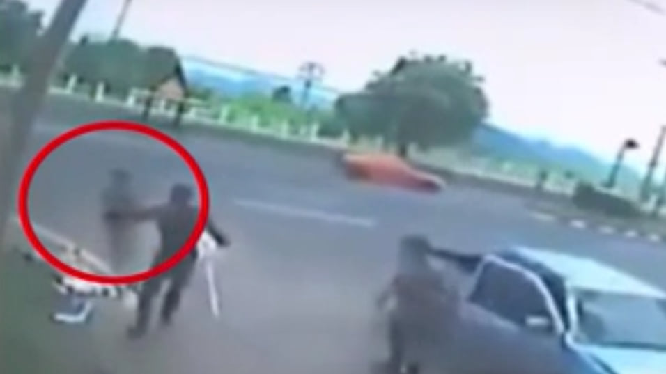 Cctv Captures The Moment Soul Leaves Woman S Body After