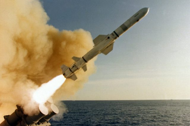 agm-84_harpoon_launched_from_uss_leahy_cg-16