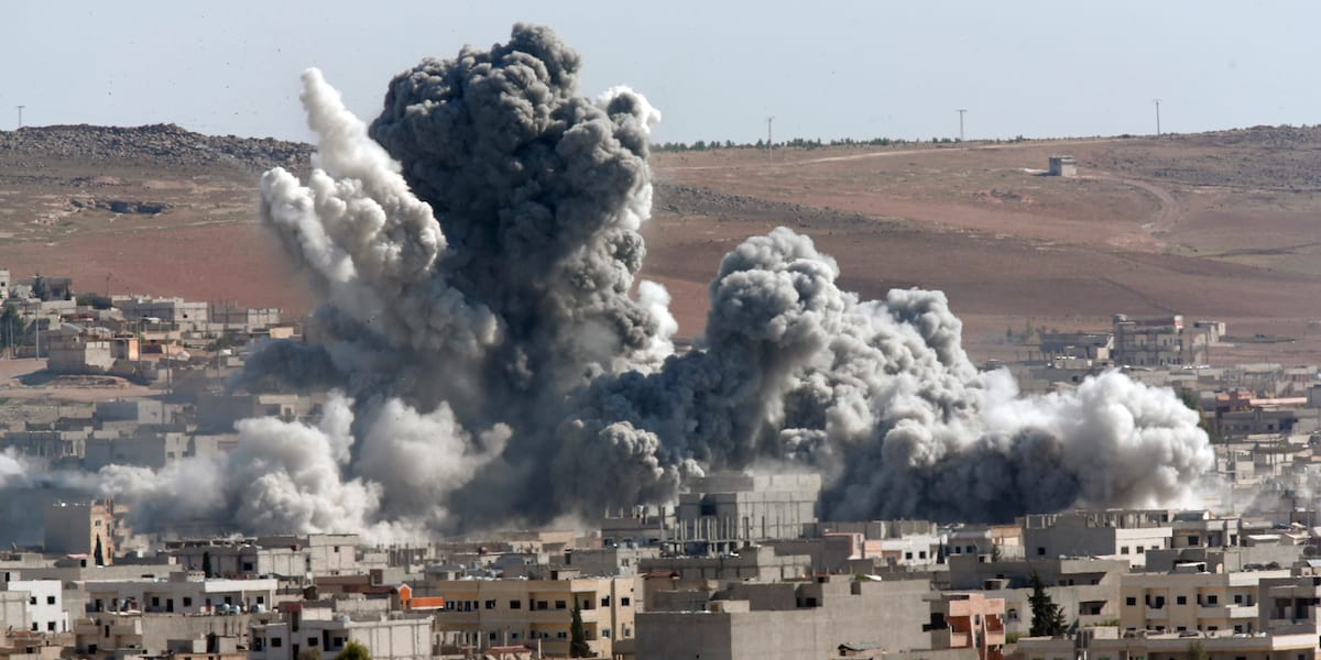 ISIS Have Accepted Defeat, But That Could Be Bad For The West 7645UNILAD imageoptim o SYRIA AIRSTRIKES facebook