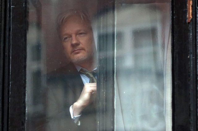Leaked Emails Show How Hillary Clinton Considered Assassinating Julian Assange wsi imageoptim GettyImages 508571834 640x426