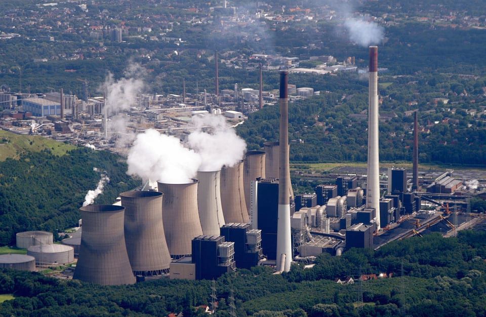 Britain Just Ran On Only Renewable Energy For Almost A Week 10077UNILAD imageoptim Coal Powerplant Scholven960