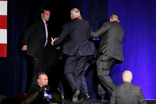 Donald Trump Rushed From Stage After Gun Incident 15274UNILAD imageoptim PA 29096798 640x426