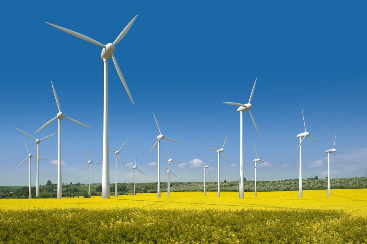 Britain Just Ran On Only Renewable Energy For Almost A Week 20340UNILAD imageoptim wind turbines