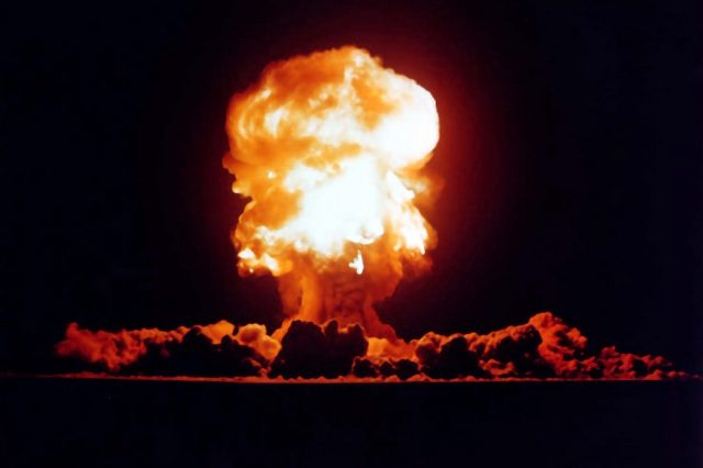 Heres When Trump Will Get Nuclear Codes And How Easy They Are To Use 22148UNILAD imageoptim Plumbbob Fizeau 640x426