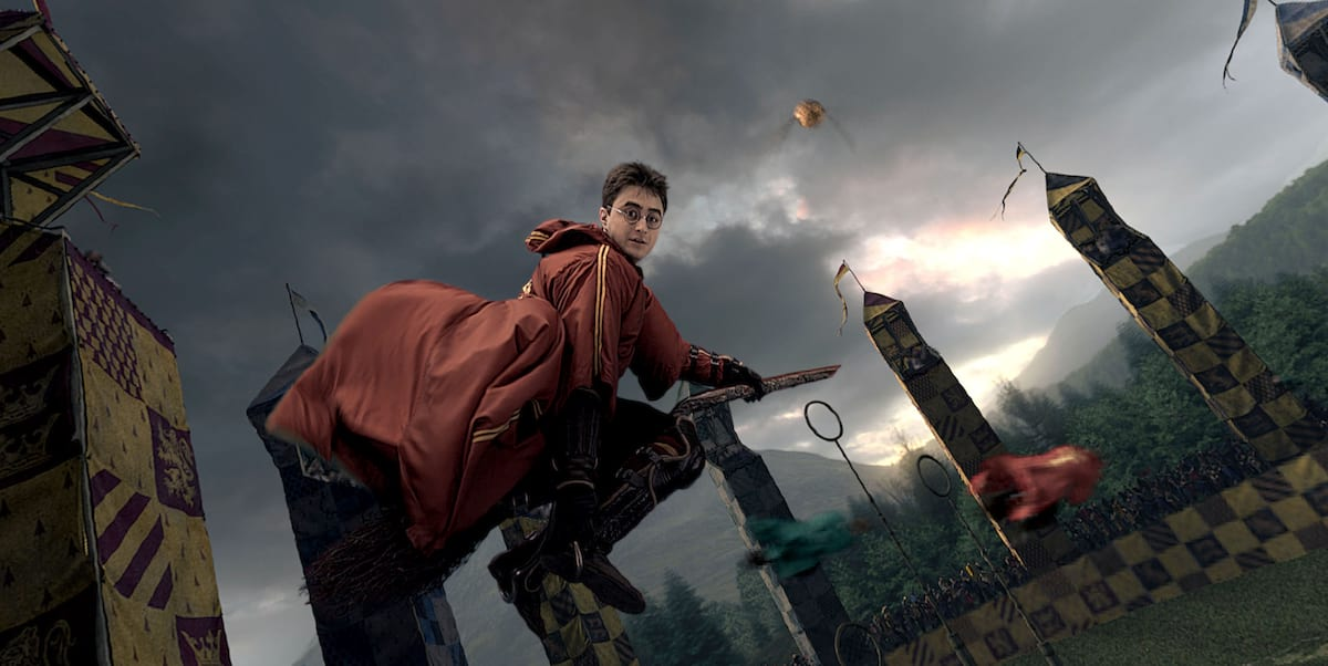 Heres How They Made Quidditch Players Fly In Harry Potter 22574UNILAD imageoptim quidditch