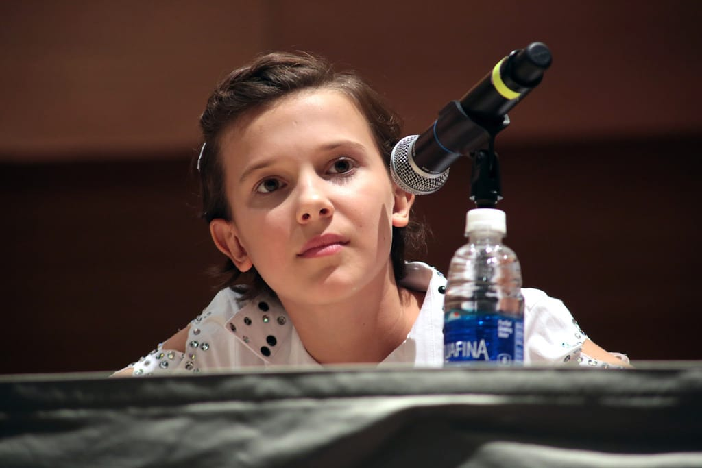 Eleven Went To Comic Con In Disguise And The Pics Are Hilarious 27092UNILAD imageoptim Milly bobby brown