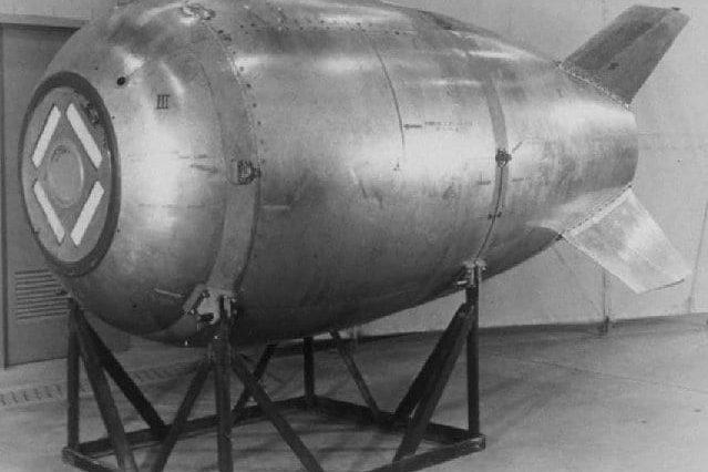Diver Finds Infamous Missing Nuclear Bomb, Solves 60 Year Mystery 38533UNILAD imageoptim Mk4 Fat Man bomb 639x426