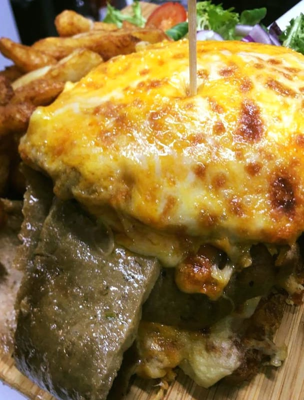 The Parmo Kebab Contains Over 8,000 Calories And Might Kill You 41599UNILAD imageoptim parmo kebab the george